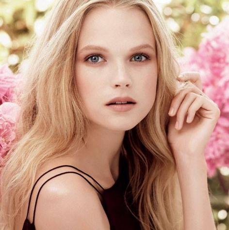 6_Gabriella Wilde_for Estee Lauder.jpg