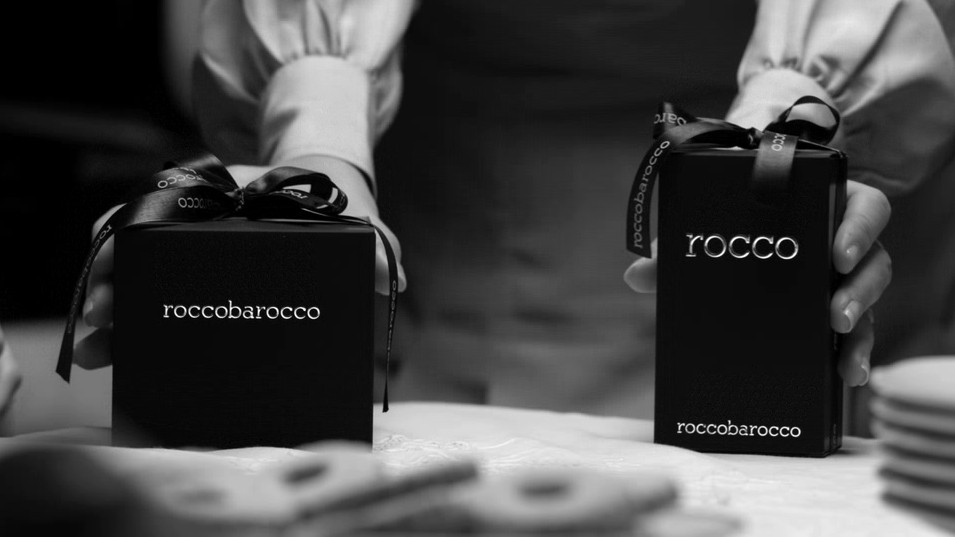 Roccobarocco_Rocco_2012_with_pack.jpg