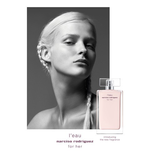 2_Narciso Rodriguez L'Eau For Her_with_girl.jpg