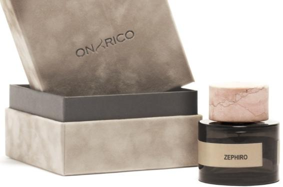 3_Onyrico_Zephiro_perfume with pack.jpg