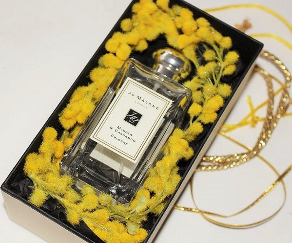 2_Jo Malone_Mimosa and Cardamom_perfume in pack.jpg