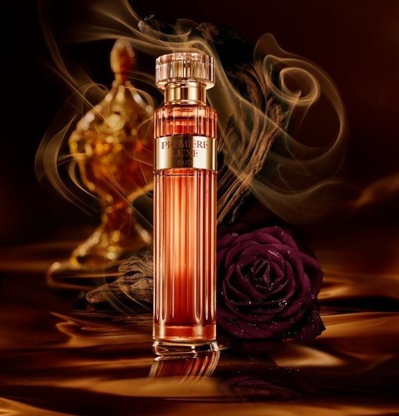 1_Avon_Premiere Luxe Oud for Her_poster.jpg