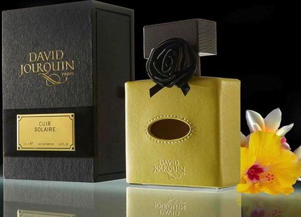 2_David Jourquin_Cuir Solaire_perfume with pack.jpg