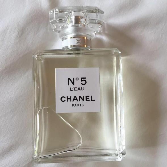 4_Chanel No.5 L'Eau_perfume.jpg