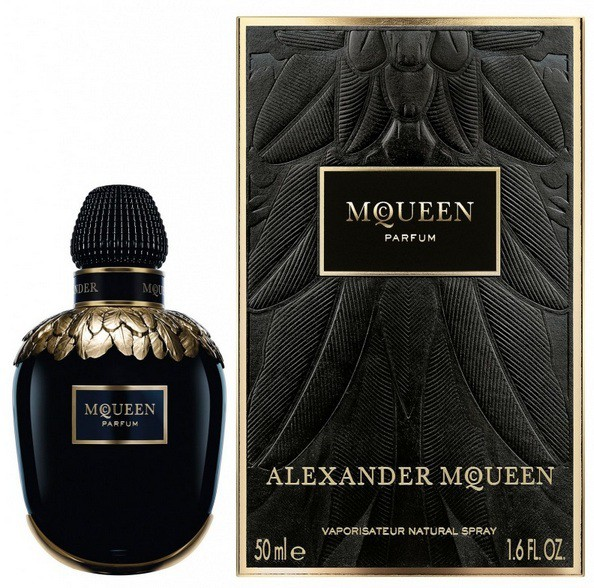 2_McQueen Parfum_with pack.jpg