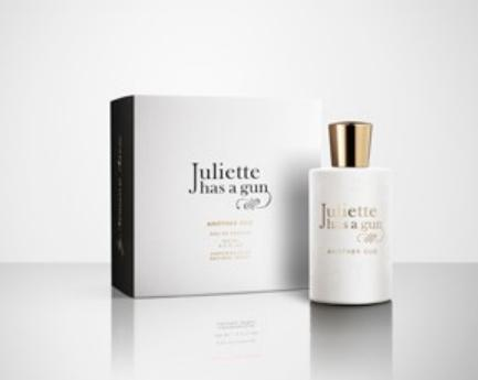 2_Juliette Has A Gun_Another Oud_perfume with pack.jpg