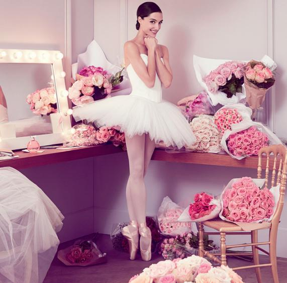2_Repetto L'Eau Florale_poster with girl.jpg
